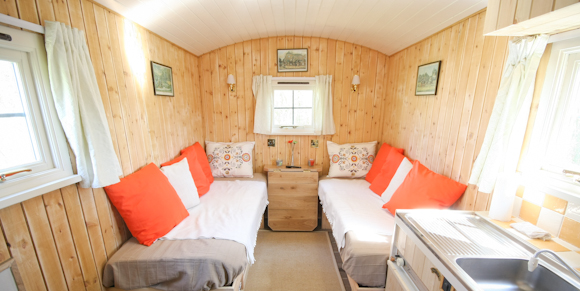 Luxury Shepherd Hut - Glamping Holiday - Outside Image