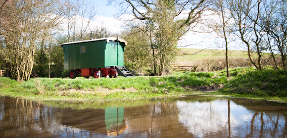 Luxury Shepherd Hut Holidays - Malvern Glamping Holiday