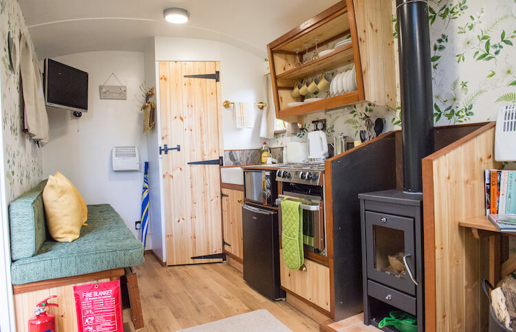 Malvern - Glamping Shepherds Hut Holidays - Outside Image